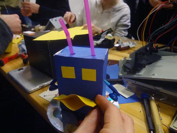 Atelier robots absurdes